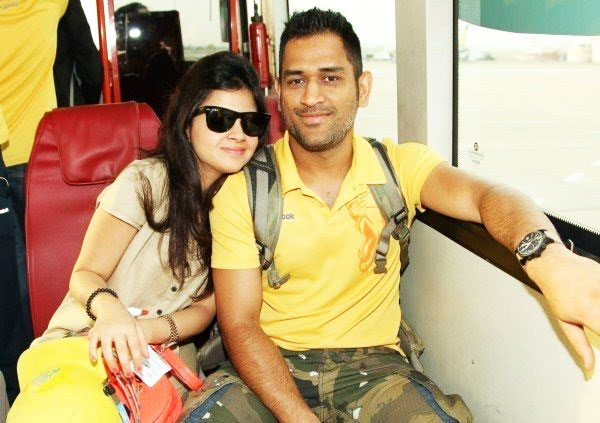 MS Dhoni With His Wife