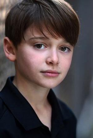 Noah Schnapp Profile