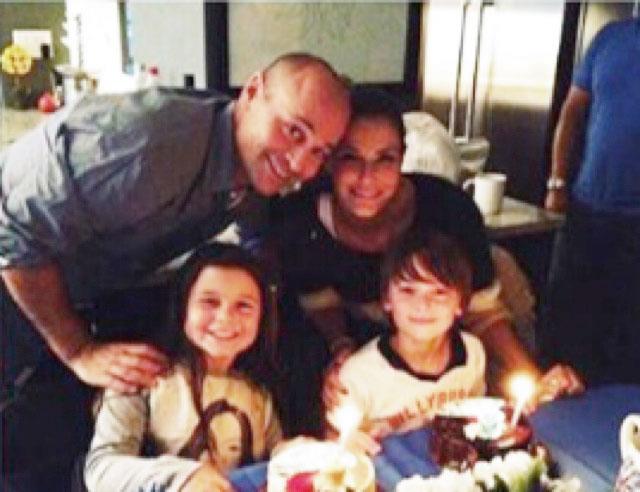 Noah Schnapp With Family